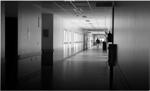 Un sistema de salud vaciado y privatizado